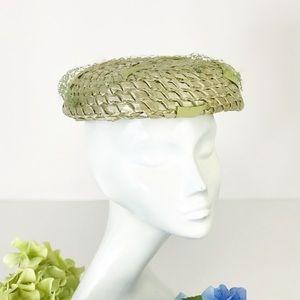 60s Vintage Spring Green Straw Hat Bumper Veil